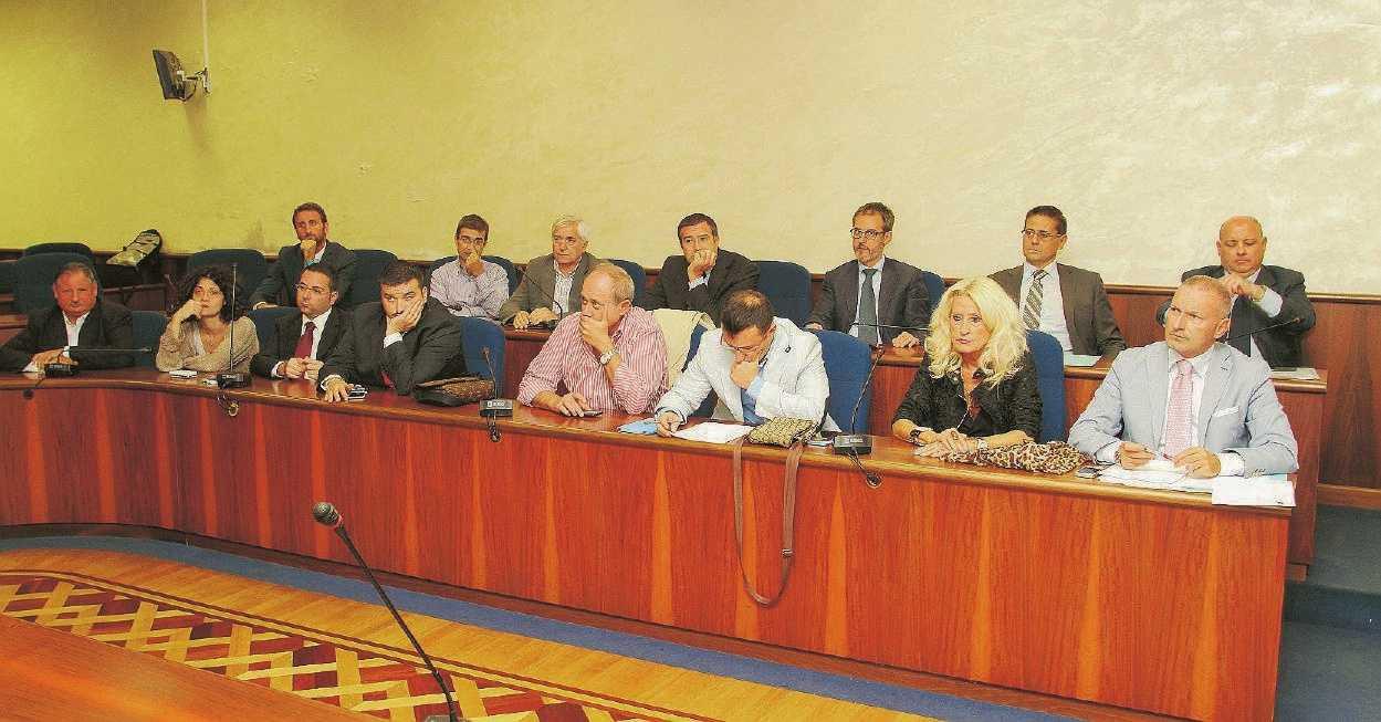 Frosinone maggioranza caos calmo for Trento frosinone
