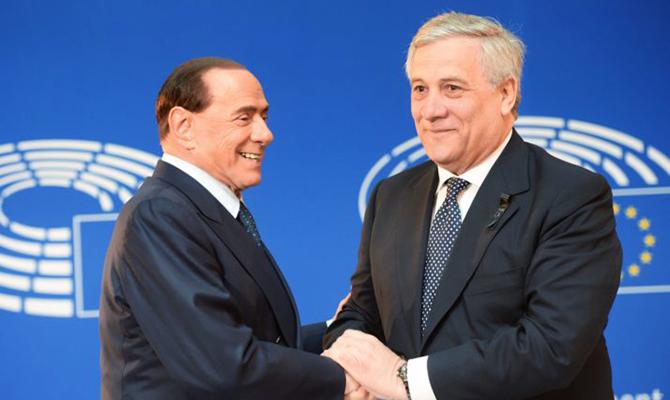 Berlusconi riunisce vertici FI per le consultazioni di Governo
