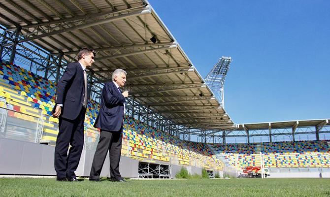 Il futuro del frosinone calcio in un negozietto nel centro for Trento frosinone